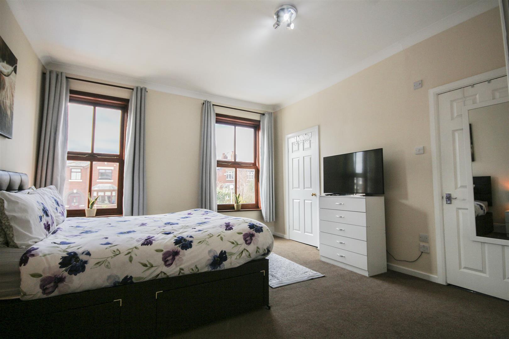 5 Bedroom Mid Terrace House For Sale - _._14.jpg